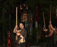 La danse maori qui intimide l'étranger qui débarque...