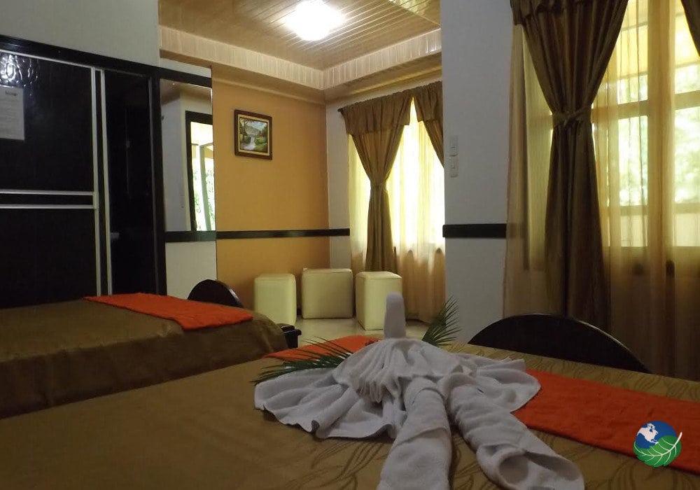 Ara Ambigua Lodge Bedroom