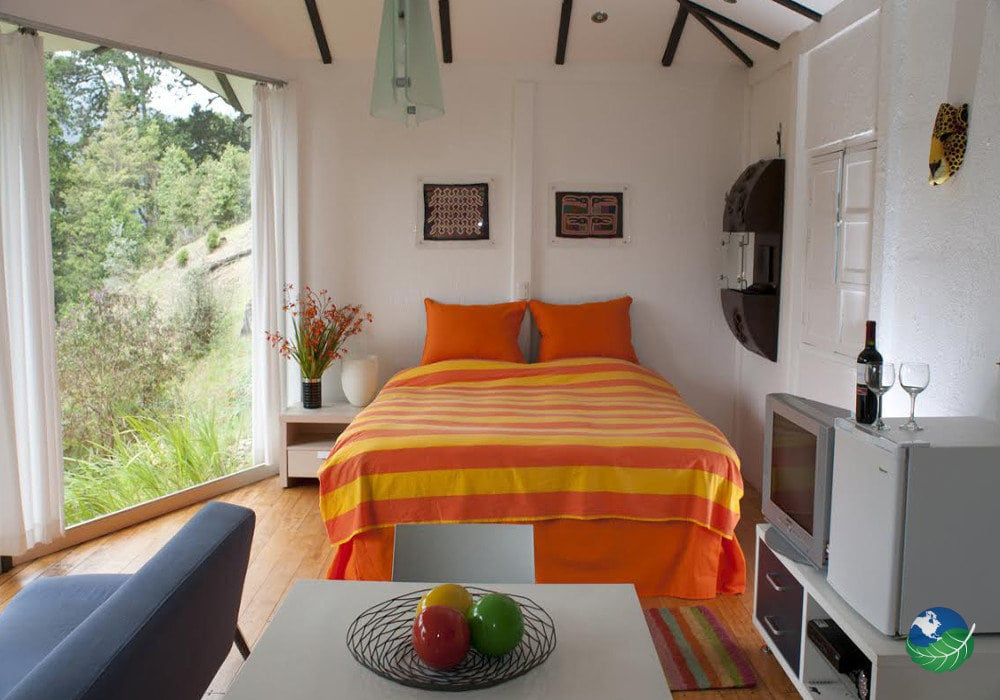 Dantica Cloud Forest Lodge King Size Bed