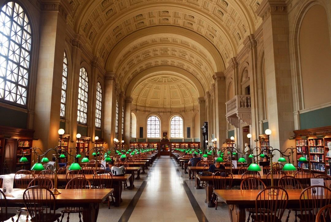 Biblioteca pública de Boston. Fuente: travelbuggeddotcom1.files.wordpress.com