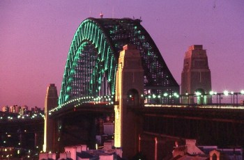 sydney-harbour-bridge-560
