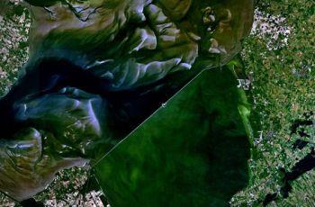 afsluitdijk-satelliet-560