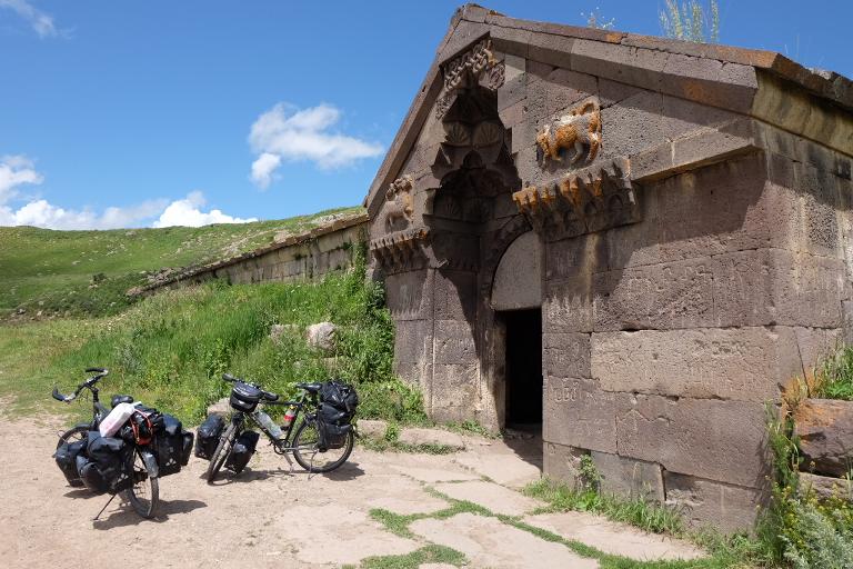 Caravanserai  (oude overnachtings plaats op de Zijderoute )