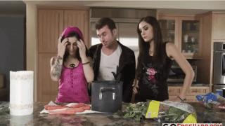Sasha grey fodendo na cozinha