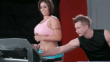 Treinador fazendo sexo com sua aluna na academia
