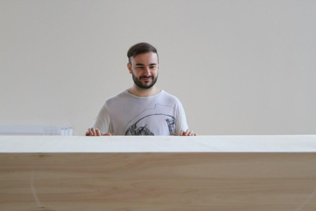 Jeffrey POIRIER   Montage de l'exposition « X »   Centre d'artistes Vaste et Vague