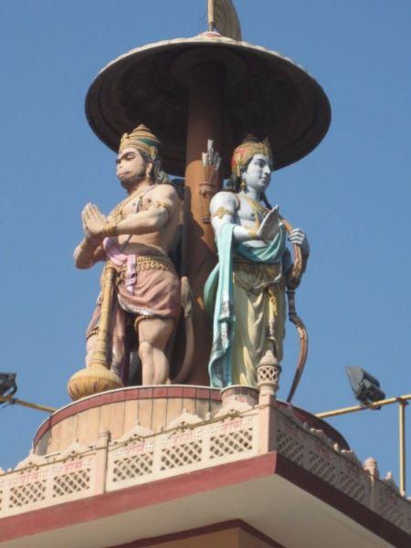 Hanuman und Rama in Rishikesh