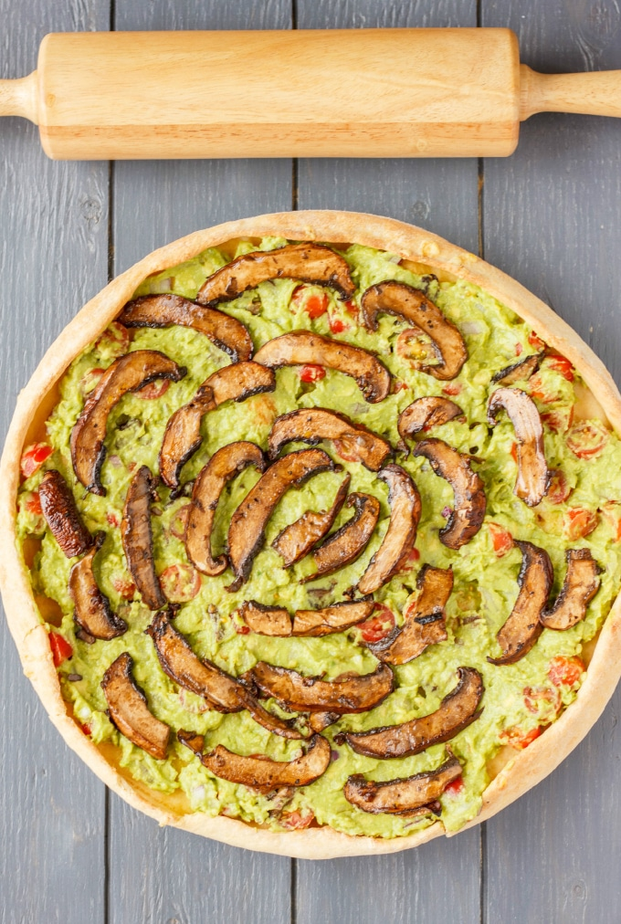 Vegan-Guacamole-Pizza