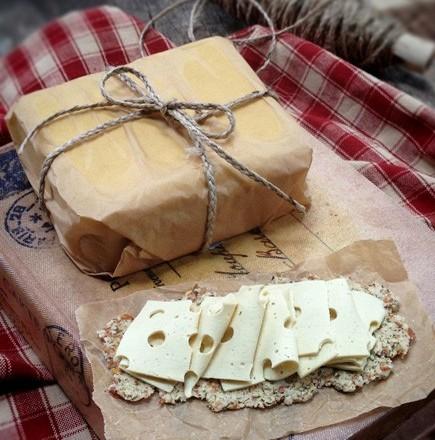 Vegan-Swiss-Cheese