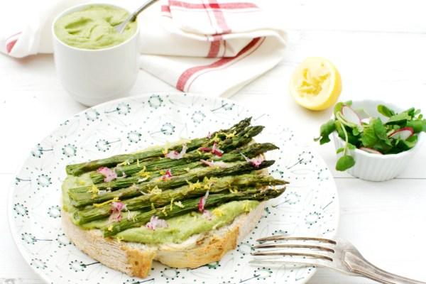 Asparagus Crostini with Watercress Hummus
