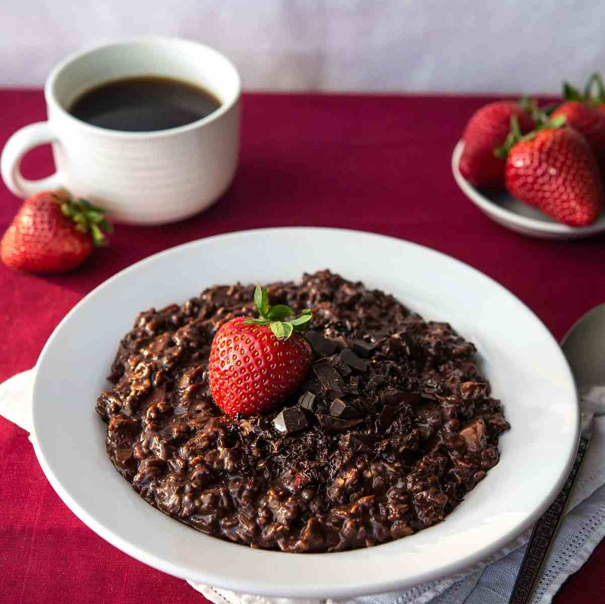 Chocolate-covered Strawberry Oats