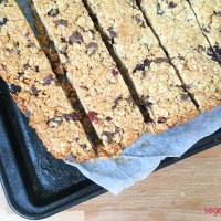 Healthy homemade muesli bars