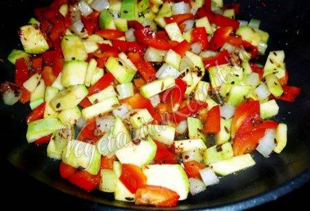 Обжаривание гречки с овощами