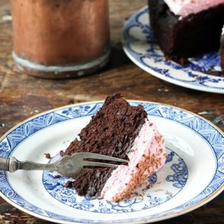 Slow Cooker Beet Chocolate Cake with Beet and Vanilla Topping   Veggie Desserts Blog