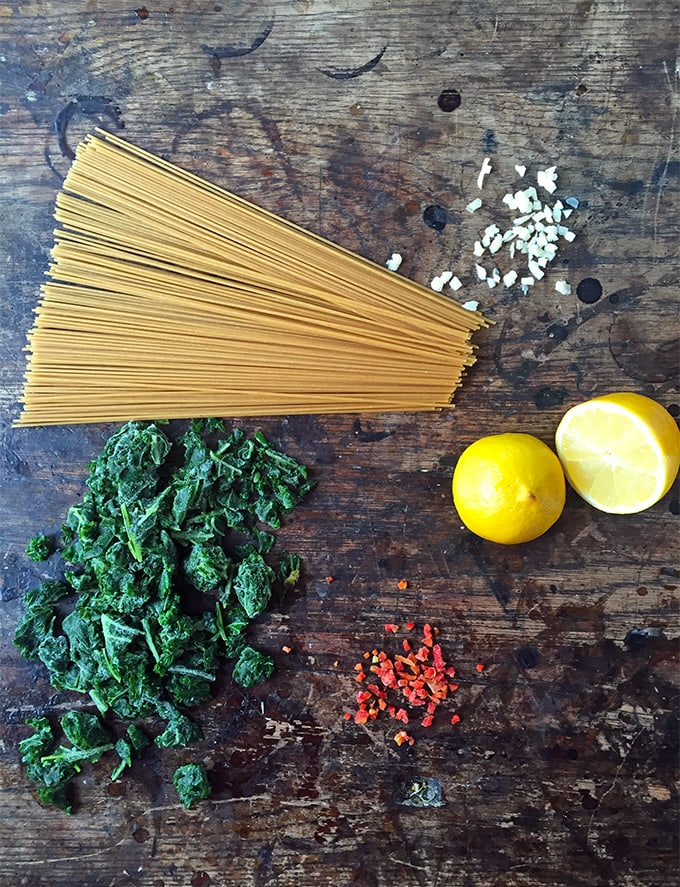 Spaghetti with Kale, Asparagus, Lemon and Chilli | Vegan | Veggie Desserts Blog