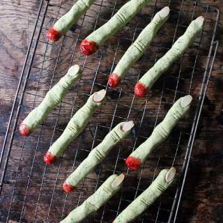 Naturally Green Peanut Butter Witch Finger Cookies | Veggie Desserts Blog
