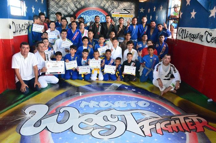 JJ - Graduação do projeto social West Fighter - foto 1 - by Emanuel Mendes Siqueira