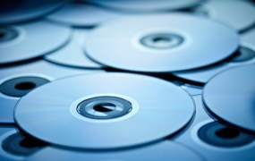 cd-roms-shutterstock_83904403