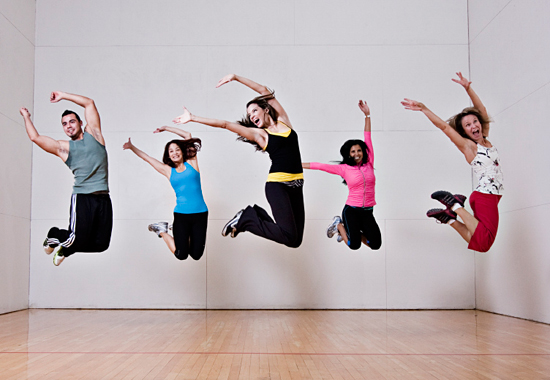 fitness-people-jumping