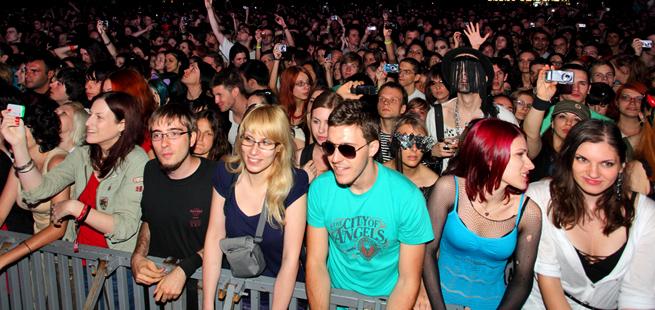 ss-concert-crowd