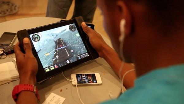 Audojo iPad game controller case
