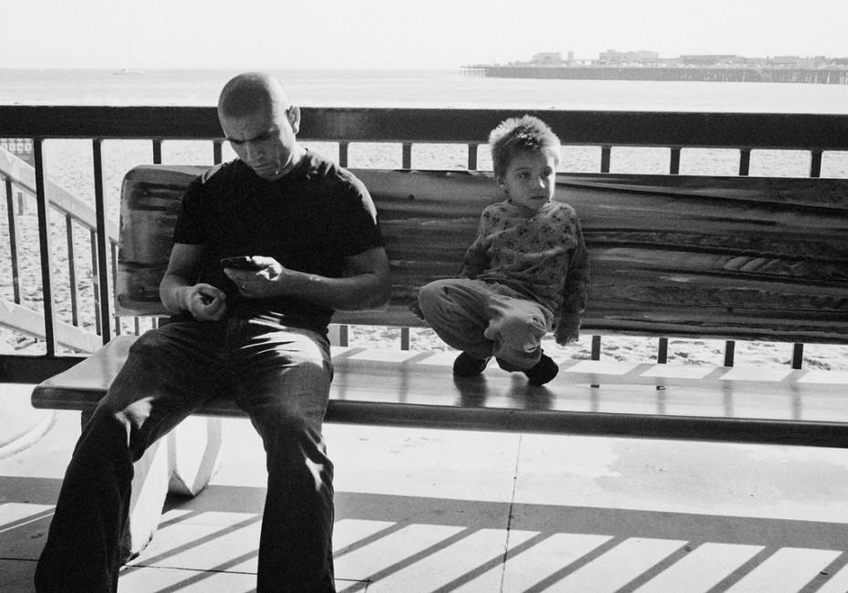 smartphone parent kid distraction