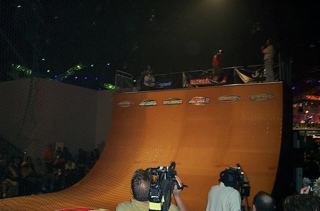 E3 2002 Activision half-pipe
