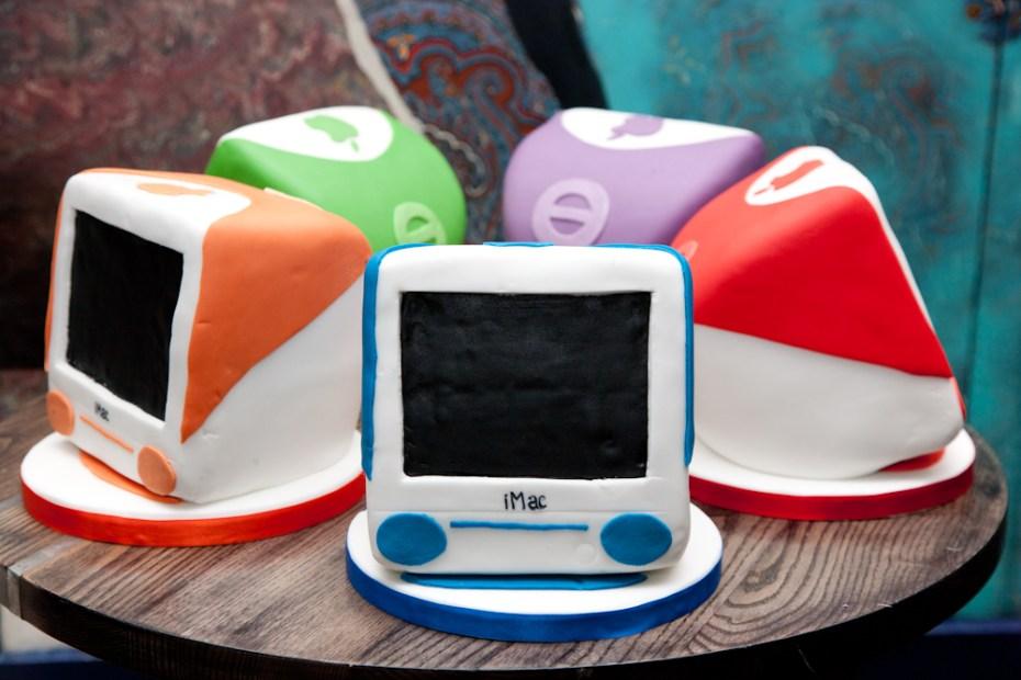 apple imac cakes
