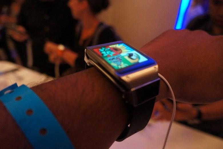 Samsung Galaxy Gear hands-on 1