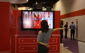 A CES 2012 attendee tries out PrimeSense tech