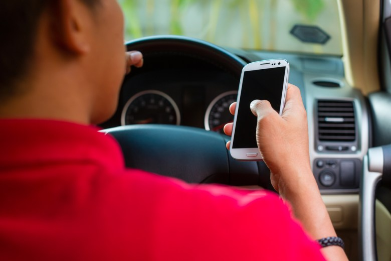 Checking your cellphone while behind the wheel is a no-no in Road Wars, an app that carries a lofty goal: Making you a better driver.