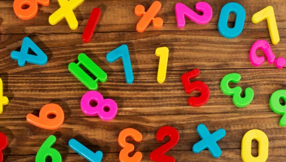Oleskiy Avtomonov magnets numbers shutterstock_132500750