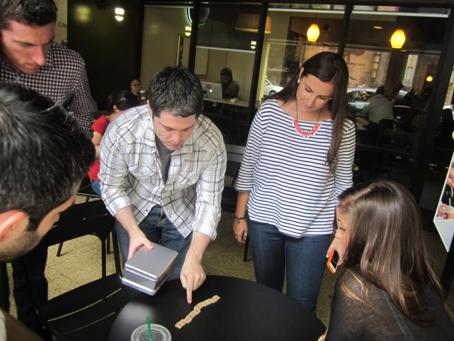 RelateIQ employees organizing a scavenger hunt in Palo Alto