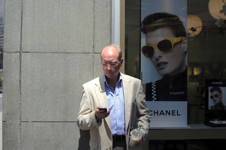 man phone Timothy Krause Flickr