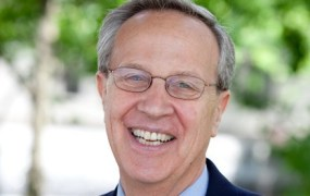Former Yale economics professor joins Coursera as CEO