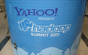 Yahoo Hadoop sign Yahoo Flickr