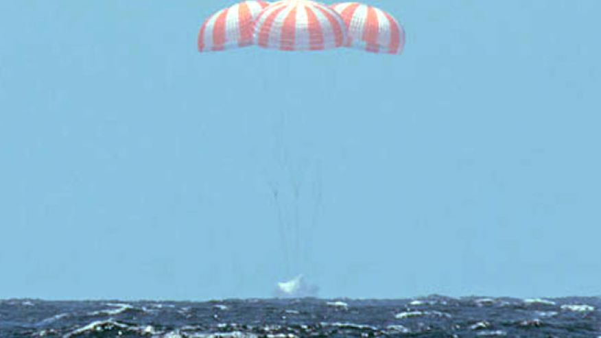 SpaceX-dragon-capsule-returns