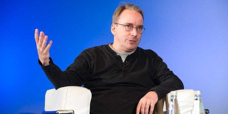 Linus Torvalds on stage in Edinburgh, Scotland