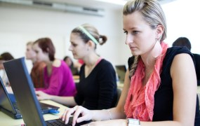 women learning to code