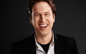 Comedian Pete Holmes, host of the 18th Annual DICE Awards.