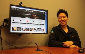 Dennis Fong, the CEO of Raptr, showing Plays.tv.