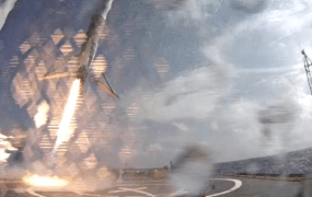 A look at the Falcon 9 coming in for a landing on the 'droneship.'