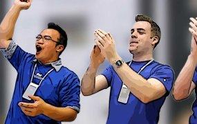 cheering-apple-specialists-2