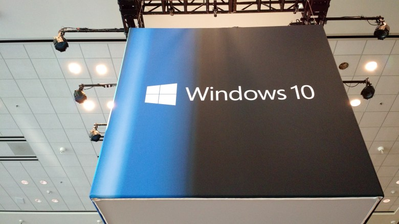 how to get program to launch with windows 10