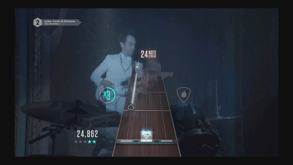 Occasionally, connection issues will cause the game to adopt a strange resolution and fretboard (see previous shot for reference)
