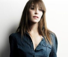 Feist: A beautiful voice and an oblivious tribe leader?