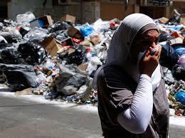 beyrouth ordures femme