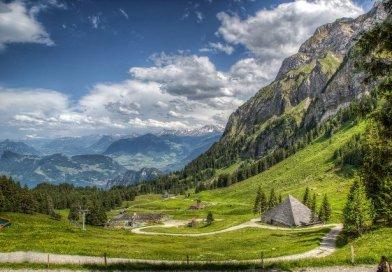 «Італійська Швейцарія»: тут панує культ сиру та українських жінок