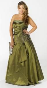 11 Bellos vestidos de fiesta para mujeres con panza (7)