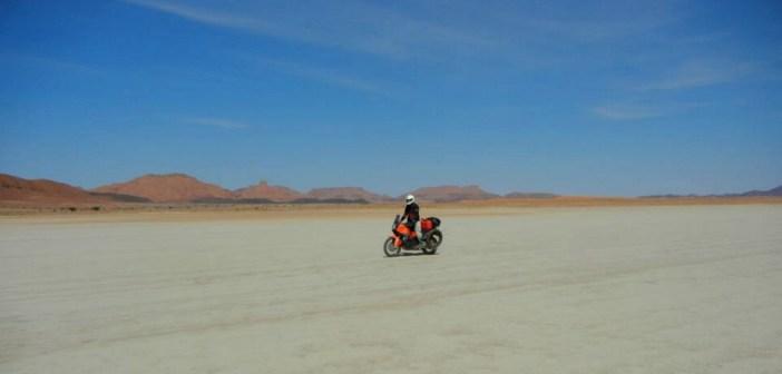 Aslane Estrems: descubrir y encontrar-se en motocicleta